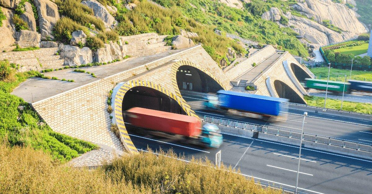 Камиони - тунели