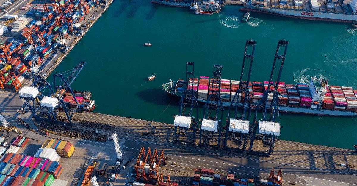 Видове транспорт, товарни кораби (контейнеровози) и контейнери